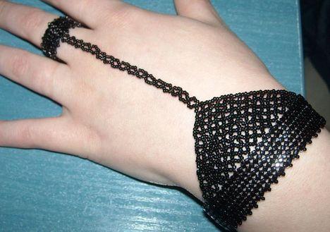 Fekete kézékszer
