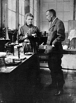 Pierre /1859-1906/ és Marie/1867-1936/ Curie