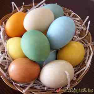 egyszerű húsvéti szines tojások