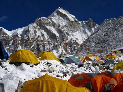 Az Everest egyik bázistábora