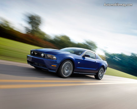 0811_01_b+2010_ford_mustang+front_three_quarter_view