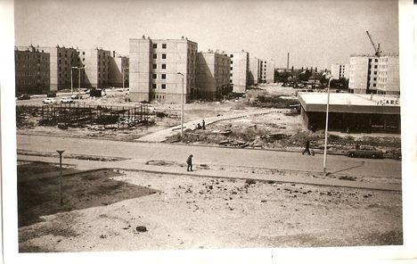 Épül a József Attila lakótelep 1977