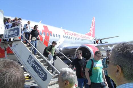 az első Jet2 utasai edinburgh-ból
