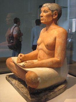 Ülő írnok szobra - Kai kancellár képmása