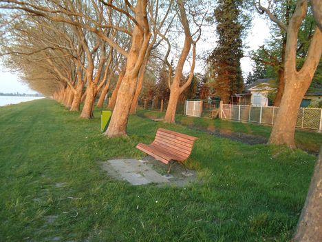 Balatonboglár, Vejtey sétány 1