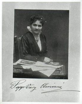 Papp-Vári Elemérné, a Hiszekegy írónője