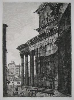 Veduta di fianco del Panteon