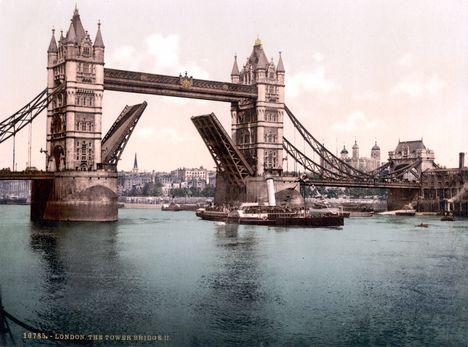 London TowerBridge 1900