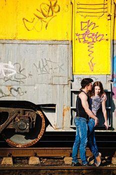 Vonat és egy pár