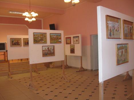 Képek a kiállításról