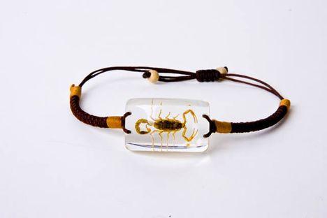 Skorpió karkötő