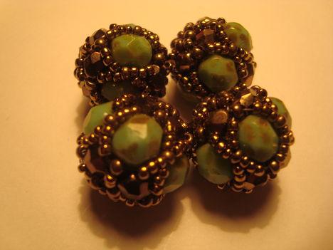 zöld-arany bogyók