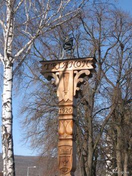 Trianoni emlék kopjafa Hidvegardo id Pekar József 2005