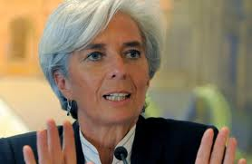 Christine Lagarde hárít