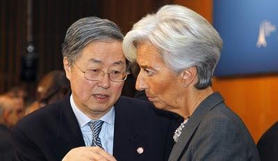 Christine Lagarde Zhou-Xiaochuan-ra összpontosít