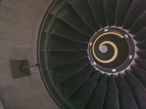 Lufthansa Technik gépjavítás 12