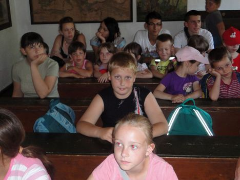 tanyasi-iskolaban