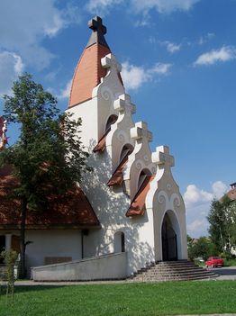 Erdély, Csíkszereda, Makovecz Imre temploma