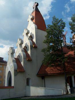 Erdély, Csíkszereda, Makovecz Imre temploma 5