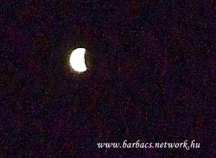 A Hold éjfélkor 11