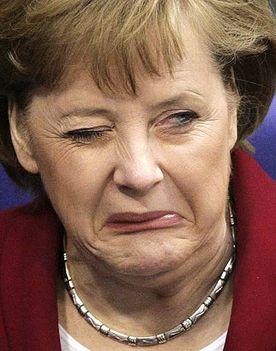 Angela Merkel utálkozik