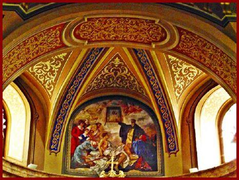 Máriapócs Kegykép felletti falfestmény