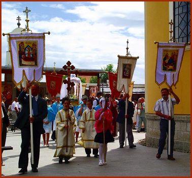 Máriapócs Pünkösi Szent Liturgia körmenet