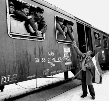 20 éve ment ki az utolsó kűszovjet katona hazánkból