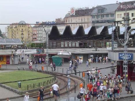 az újra Széll Kálmán tér 60 évig Moszkva tér névre hallgatott