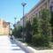 Petőfi tér, oldalt az iskola 211