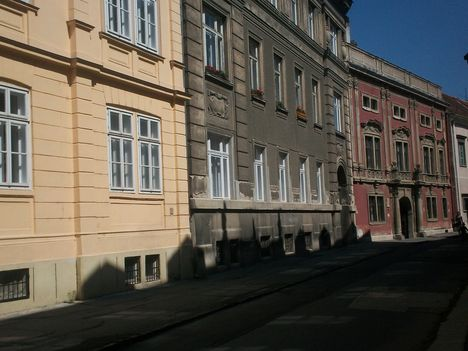 Templom utcai házak 223