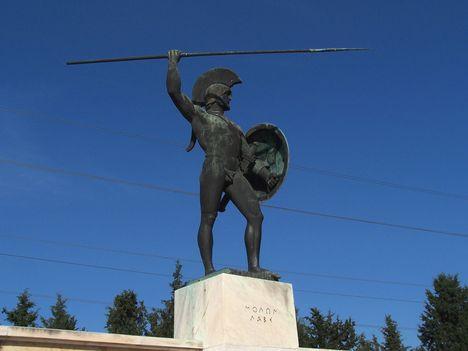Görögország,  a Thermopülai-szoros, Leonidász király szobra, a spártai katonák sírfelirata 5