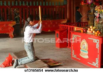 buddhista-halantek- imádás