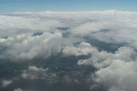 A  felhők fölött 5