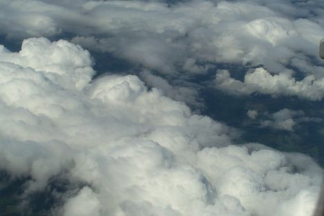 A felhők fölött 8