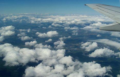 A felhők fölött 9