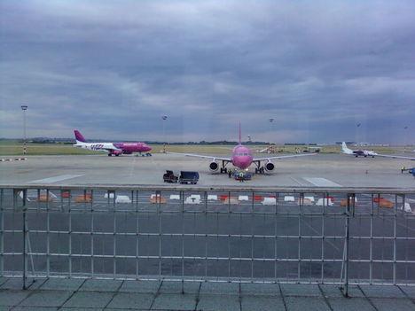 A reggel 6 órás három Wizz gépek