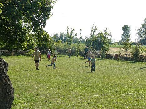 Baranta kűzdősport oktatása gyerektáborban 7