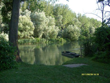 Mosoni Duna csónakkikötő, Máriakálnok