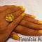 Sárga mintás gyűrűvel