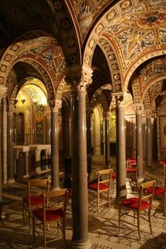 Crypt_of_St_Cecilia