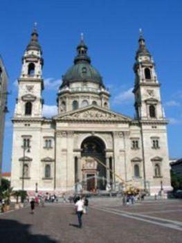 Bazilika_fohomlokzat