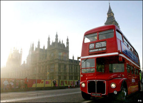 double-decker_bus_16