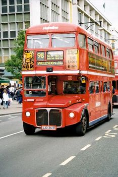 double-decker_bus_3