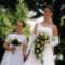 Menyasszony koszorúslánnyal