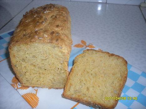 Sárgarépás kenyér