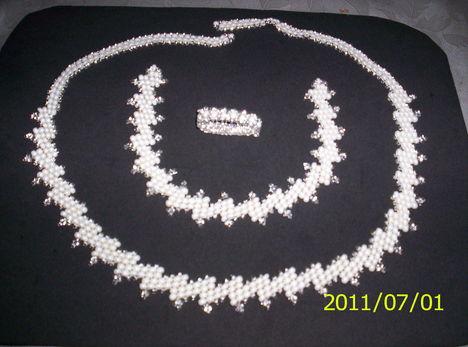 cakkos törtfehér-ezüsttel 057