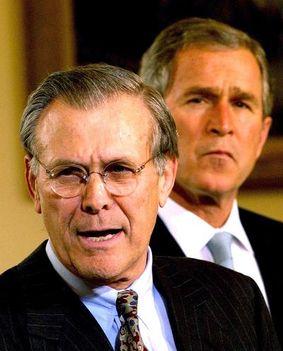Donald Rumsfeld és Bush