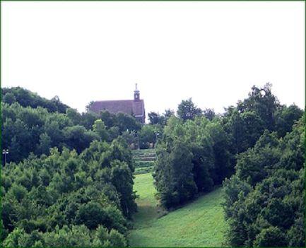 sípálya templommal