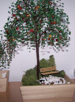 Pad az almafa alatt...